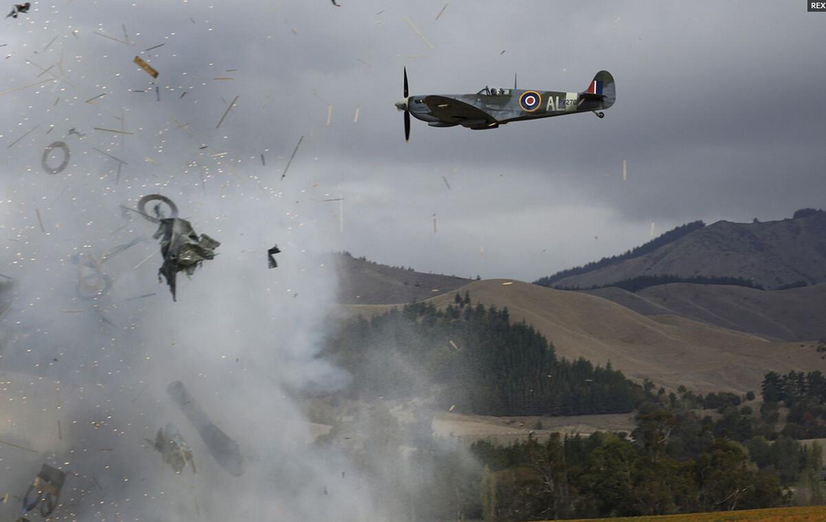 老式飞机nz航空展上坠毁