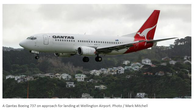 澳航飞机惠灵顿机场撞卡车