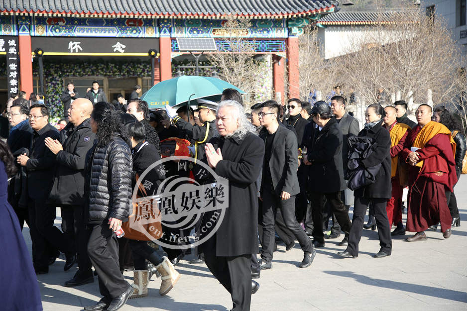 追悼会现场.-向华胜追悼会举行 向华强夫妇现身 高清组图图片