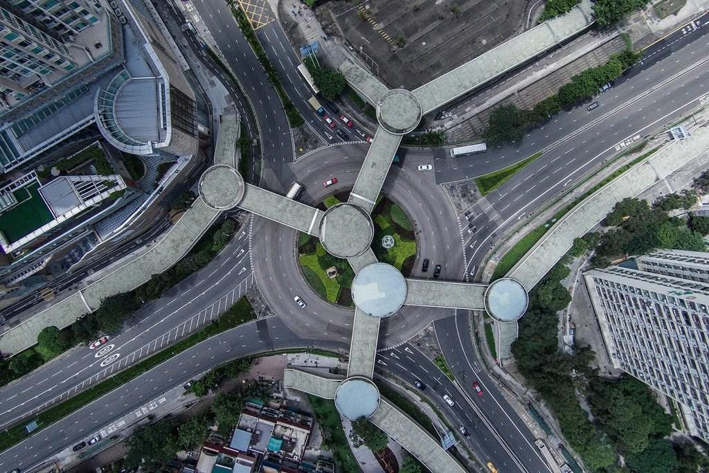 航拍人口最密集的壮观香港:半城苍翠半城楼(组图)