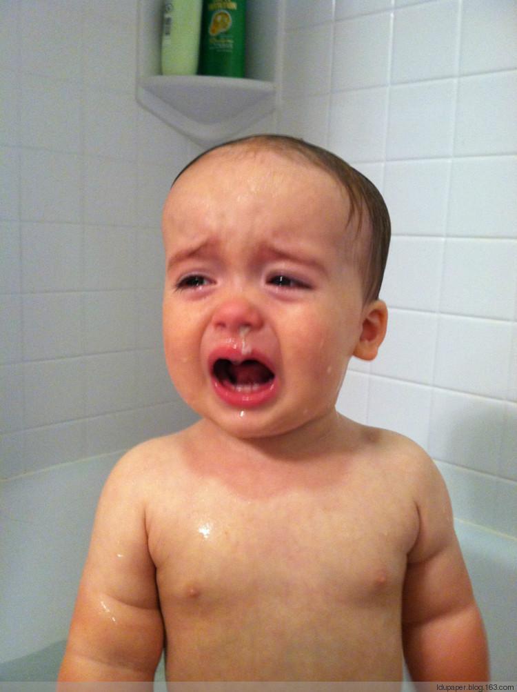 qq头像小孩哭欧美